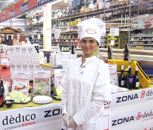hostess-promoter-field-marketing