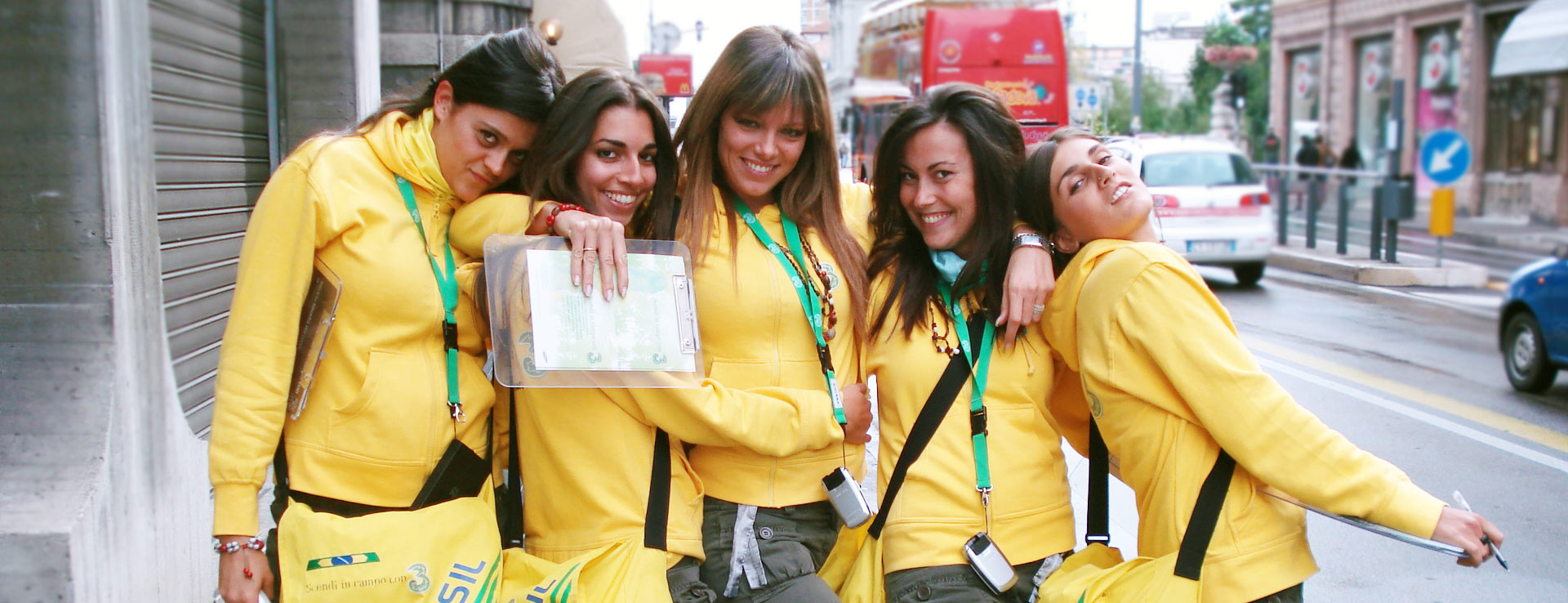 Hostessen, Promoters und andere professionelle Figuren | Hostess ...